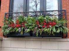 56 Colorful Winter Planters for Your Outdoor Decorations Christmas Urns, Christmas Lodge, Christmas Planters, Outdoor Christmas, Christmas Ideas, Christmas Windows, Holiday Ideas, Xmas, Decoration Table