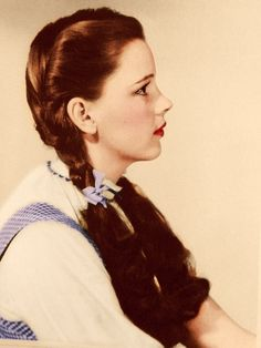 Judy Garland... She's so Gorgeous. :) yet flawless her role in wizard of oz & meet me in st louis at such a young age we will never have another judy garland