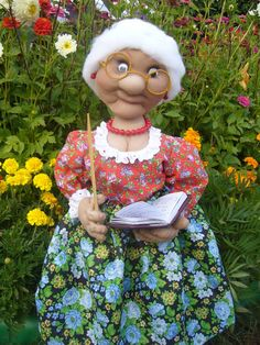 wanna make this grandma doll for your grandmother????....tutorial is in it....!! hurry up