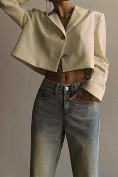 09c0614f Crop oversized blazer with mom jeans #minimlisam #outfits Line Jackets, Me  Gustas,