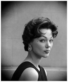 Ivy Nicholson Beautiful Top Model Sporting The New Italian Haircut Created By Marcel Photo Yale Joel July 1953