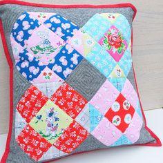 Samelia's Mum: Strawberry Biscuit Pillow {Free Pattern}