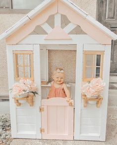 The squishiest little cheese grin to capture just how excited Kylie is about her beautified new playhouse💋 I got this thing off of… Girls Playhouse, Backyard Playhouse, Backyard Playground, Playhouse Ideas, Kids Cubby Houses, Kids Cubbies, Play Houses, Kids Outdoor Play, Backyard For Kids