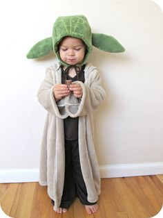 The geek in me has to dress my kid up like this yoda never looked homemade by jill comfy dress up yoda costume solutioingenieria Gallery