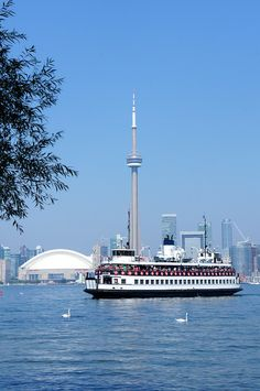Connecting Toronto, with Toronto Island. Which hosts a park and a diner and further views of the magnificent Lake Ontario. Toronto Island, Toronto City, Toronto Skyline, Ottawa, Toronto Ontario Canada, Canada Eh, Belle Villa, Cool Countries, Canada Travel