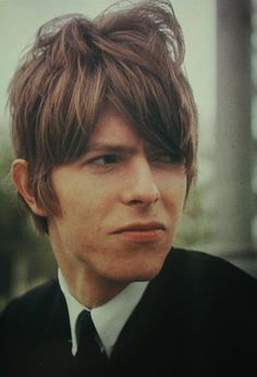 vintage Bowie - this looks like my hair :)