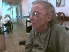 What is Hospice, and when Should it Be Requested for a Loved One with Alzheimers or Dementia - News - Bubblews