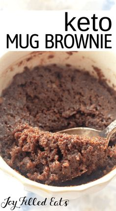With only 7 ingredients you can have a fabulous dessert in under 5 minutes that is only 5 net carbs. Once in a while, an incredibly decadent dessert makes your heart swoon, and today it's this Keto Mug Brownie. Not only does the flavor of this mug brownie fit your needs, but the individual size and texture are also excellent too. Make a single serving size brownie whenever you are craving chocolate or something special. These keto brownies are low carb, grain-free, and gluten-free too. Sugar Free Desserts, Sugar Free Recipes, Low Carb Recipes, Healthy Recipes, Keto Carbs, Low Carb Keto, Melting Chocolate Chips, Craving Chocolate, Keto Desert Recipes