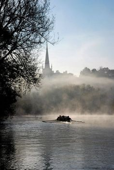 Ross-On-Wye, Herefordshire. Who's rowing? Beautiful World, Beautiful Places, Rowing Crew, Row Row Your Boat, British Countryside, Remo, Herefordshire, England And Scotland, Great Britain