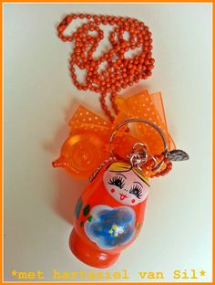 ~Leuke oranje-ketting gemaakt door mijzelf~