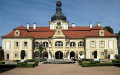 Zámek Nebílovy Prague, Heart Of Europe, Most Visited, Czech Republic, Terrace, Cathedral, House Plans, Villa, Castle