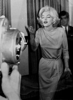 Marilynduring a press conference at The Hilton Hotel in Mexico;1962