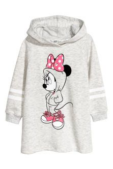 Dress in sweatshirt fabric with a print motif, long raglan sleeves with ribbed cuffs and a wrapover, jersey-lined hood. Disney Outfits, Kids Outfits, Cute Outfits, Baby Girl Fashion, Kids Fashion, Sweat Shirt, Tee Shirts, Minnie Mouse, Mode Kimono