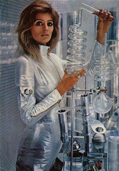 Jill Kennington in space age fashion.