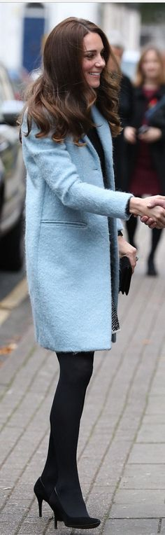 Kate Middleton in Coat and purse – Mulberry Skirt – Dolce & Gabbana Shoes – Stuart Weitzman