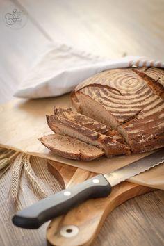 Crispy farmer & bread - like from a baker Slow Food, German Bread, Vegan Meal Prep, Vegan Kitchen, Pampered Chef, Bread Rolls, Gluten Free Baking, How To Make Bread, Empanadas