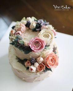 말라서 굳은것도 매력 Dry beanpaste peony - . . . 수업상담 Kakao Id : koreaflower02 Line Id : vivicake02 Wechat Id : vivicake_korea . . 블로그 주소 : www.vivi-cake.com . . vivicakeclass@gmail.com . . . #flowercake #korea #design #cake #cupcakes #flowercakeclass #cakeclass #flowers #riceflower #koreaflowercake #koreanflowercake #piping #rice #riceflowercake #wilton #wiltoncake #ricecakeflowercake #koreanbuttercream #flowers #baking #beanpaste #beanpasteflower #seoul #hongdae #cakeicing #플라워케이크 #떡케이크 #Riceca...