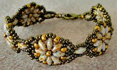 Linda's Crafty Inspirations: Bracelet of the Day: Fun Floral Bracelet Variation