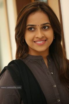 celebstills: Sri Divya New Photoshoot Stills Gallery Beauty Full Girl, Cute Beauty, Beauty Girls, Bollywood Actress Hot Photos, Tamil Actress Photos, Brunette Beauty, Hair Beauty, Desi Girl Image, Indian Heroine