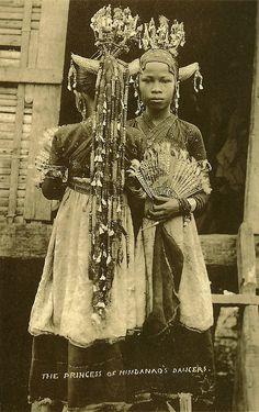 """""""The Princess of Mindanao's Dancers"""" 1910, John Silva Collection"""