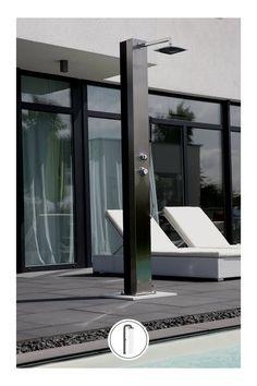 Venkovní solární sprcha vybavena sprchovou hlavicí a ruční sprchou. #venkovnisprchy #sprchanazahradu #solarnisprcha Trinidad, Grohe Blue, Bad, Water Tank, Safety Glass, Contemporary Design