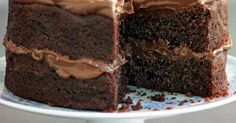 Try our easy chocolate cake recipe. Our easy chocolate fudge cake recipe is a moist chocolate fudge cake recipe. Make this easy chocolate fudge cake recipe Easy Chocolate Fudge Cake, Chocolate Fondant Cake, Chocolate Cale, Chocolate Truffles, Delicious Chocolate, Quick Cake, Small Cake, Easy Cake Recipes, Sweet Recipes
