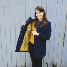 Sew your own coat, it keeps you warm, twice.Happy it's coat season for the first time ever. 🍁 🍂 🍁 Navy Wool Twill from Lining from Altrincham. Pattern from Chloe coat 🧥 🧥 🧥 🧥 🧥 Coat Pattern Sewing, Sewing Patterns, Sew Over It, Blue Wool, Diy Fashion, Sustainable Fashion, Chloe, Raincoat, Bomber Jacket