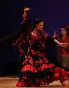 "La Sarita - Mojácar and Studio Flamenco Artist performs ""Peteneras"" at the 2009 Concert Show in La Cañada/Flintridge - the Lanternman Auditorium"