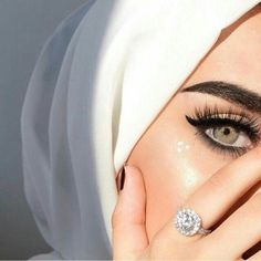 May be sweat. Product details: contact lenses from Anesthesia Dream Gray. (Use the code 'first' to get off! Black Contact Lenses, Best Contact Lenses, Girl Photography Poses, Girl Photo Poses, Hijab Makeup, Eye Makeup, Beautiful Hijab, Beautiful Eyes, Niqab Eyes