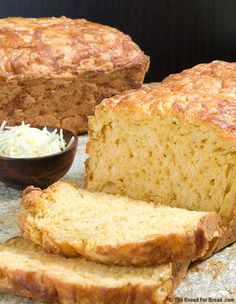 Three Cheese and Beer Quick Bread. This moist and delicious bread is filled with White Cheddar Cheese, Gruyere cheese and a little Parmesan. Bread Maker Recipes, Quick Bread Recipes, Easy Bread, Baking Recipes, Beer Bread Recipe For Bread Machine, Savarin, Bread And Pastries, Fresh Bread, Pizza