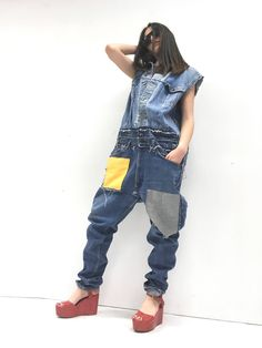 Oversize Denim Jumpsuit Jean Playsuite Jeans LOLA DARLING Lee Jacket + Levi's Vintage Recycled Fabric Patch Yellow Gray Tailoring Limited Ed di loladarlingirl su Etsy