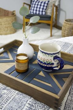 holz bauen Create this DIY Geometric Serving Tray by using balsa wood and Behr paint to create a fun patterned piece of decor that's pretty and functional!