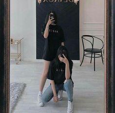 Korean Couple, Korean Girl, Asian Girl, Friendship Photoshoot, Korean Photo, Korean Best Friends, Girl Friendship, Girl Couple, Uzzlang Girl
