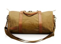 Every good safari-goer needs to look the part - we love the aptly named 'Explorer' bag
