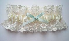 Deco embroidered tulle garter por florriemitton en Etsy, $85.00