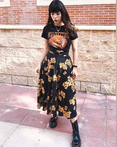 "ALTGIRL sur Instagram : ""If the ☀️ refused to shine I would still be loving you. When the mountains crumble to the 🌊 there will still be you and me."" @ledzeppelin… Grunge Hipster Fashion, Grunge Style, Full Look, Aesthetic Clothes, Alternative Fashion, Fashion Photo, Cute Outfits, Spring Summer, Shirt Dress"