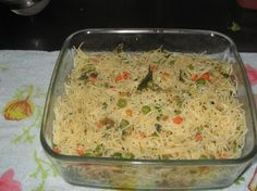 Vermicelli upma is a very simple and delicious breakfast dish made with vermicelli,onions and vegetables.You can add your own choice of vegetables like carrot,peas,beans to make it even more nutritious. Food Craving Chart, Easy Indian Recipes, Ethnic Recipes, Asian Snacks, Chicken Masala, Food Snapchat, Biryani, Breakfast Dishes, Food Cravings