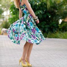 Summer Salsa Dress - in French, free pdf pattern.  Use google translate.