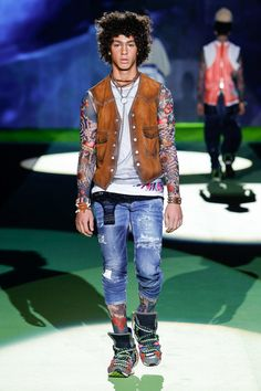 FashionNetwork.com - Business News Moda Lusso Bellezza Business News, Resort Wear, Dsquared2, Tights, Milano Menswear, How To Wear, Tattoo, Fashion Ideas, Style