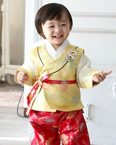 img Korean Traditional, Traditional Clothes, Korean Hanbok, Kids Wear, Style Icons, Korean Fashion, Babies, Children, Boys