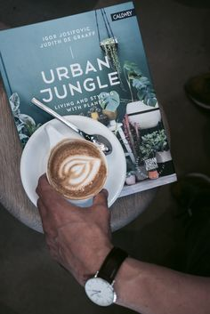 Shop the Look: Urban Jungle book Headlines Today, Spirituality Books, All Games, What To Read, My Coffee, Bling Bling, Childrens Books, My Books, Urban