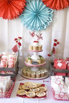 Serve everything in ready to go containers... Picnic style! Strawberry-birthday-party-food-display