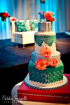 wedding cakes teal Erindipity Cakes teal and coral wedding cake bethany Wilson - I know you said something about sports for your cake but this is pretty waste wedding reception Coral Teal Wedding Coral Wedding Cakes, Aqua Wedding, Wedding Colors, Dream Wedding, India Wedding, Trendy Wedding, Wedding Ideas, Wedding Mandap, Wedding Prep
