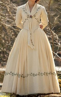 Bree season 5 Outlander Wedding Bridal Dress Replica Cosplay Costume Rococo (Brianna Randal MacKenzi Best Picture For Bodice shapes For Your Taste You are looking for something, and it is going to tel 1800s Dresses, Old Dresses, Pretty Dresses, Vintage Dresses, Beautiful Dresses, Vintage Outfits, 1920s Dress, Victorian Dress Costume, Victorian Era Dresses