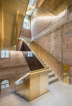 OMA's Restoration of Fondaco dei Tedeschi, Landmark Building in Venice | http://www.yellowtrace.com.au/metallic-interiors/