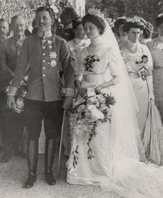 """♔ Royal Wedding Tiaras ♔ """"Empress Zita of Austria (Princess Zita of Bourbon-Parma): The Empress Zita Wedding Tiara """" Royal Tiaras, Royal Jewels, Royal Brides, Royal Weddings, Wedding Tiaras, Wedding Gowns, Austria, Edwardian Fashion, King Queen"""