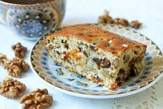 """Cupcake """"Walnut Mazurka"""" with dried fruits Cooked Cabbage, Good Food, Yummy Food, Kefir, No Bake Desserts, Tasty Dishes, Banana Bread, Bakery, Sweets"""
