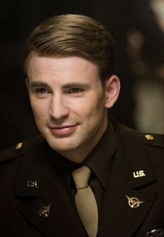 Here he is everyone!! (Chris Evans)
