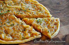 French Onion Pizza | Real Healthy Recipes  #paleo #paleodiet #paleoeats #paleorecipes #paleorecipe