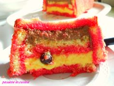 un dolce delizioso http://blog.giallozafferano.it/cuinalory/zuppa-inglese/ #sweet #cake #food #eat